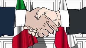 Gli uomini d'affari o i politici stringono le mani contro le bandiere dell'Italia e della Polonia Riunione o cooperazione ufficia royalty illustrazione gratis