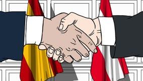 Gli uomini d'affari o i politici stringono le mani contro le bandiere della Spagna e dell'Austria Riunione o cooperazione ufficia royalty illustrazione gratis
