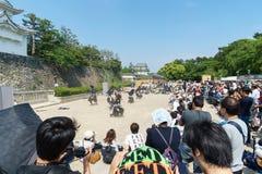 Gli uomini giapponesi veste il costume di ninja di vecchio stile per mostrare a Nagoya C fotografie stock libere da diritti