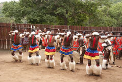 Gli uomini indossa l'abbigliamento tradizionale immagine stock