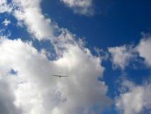 Glidflygplan mot himmel Fotografering för Bildbyråer
