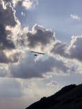 glidflygplanhangsilhouette Royaltyfri Foto