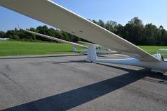 Glidflygplannivåer vinge och flygkroppsiktsdetalj Arkivfoton