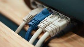 Glidning av parallaxvideoen av nätverkskontaktdon i litet kontor
