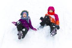 Glidning tillsammans i vinter Fotografering för Bildbyråer