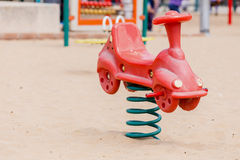 Glijbanen en speelplaatsen Speelplaatspark Royalty-vrije Stock Afbeeldingen