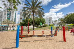Glijbanen en speelplaatsen Speelplaatspark Royalty-vrije Stock Fotografie