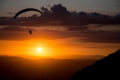 Glijscherm bij zonsondergang Stock Afbeeldingen