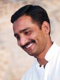 Glimlachend Aziatisch Mannetje Stock Foto's