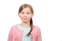 Negen jaar oud kind die pret hebben die laptop met behulp van bij haar slaapkamer stock - Slaapkamer meisje jaar oud ...