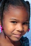 Glimlachend jong meisje Stock Afbeeldingen