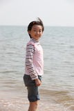 Glimlachend kind op strand Royalty-vrije Stock Foto's