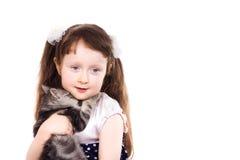 Glimlachend meisje met een kat Royalty-vrije Stock Afbeelding