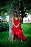 Glimlachend meisje in park Stock Foto