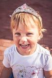 Glimlachend meisje in tiara royalty-vrije stock afbeeldingen