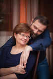 Glimlachend rijp paar Royalty-vrije Stock Fotografie