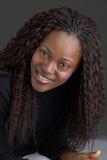 Glimlachend zwart meisje Stock Afbeelding