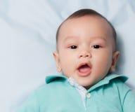 Glimlachende babyjongen Stock Foto