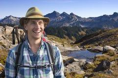 Glimlachende berggids Stock Foto's