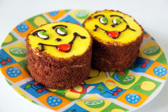 Glimlachende cakes. Royalty-vrije Stock Afbeelding