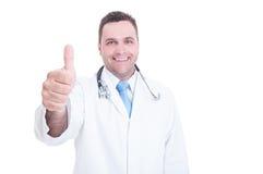 Glimlachende dokter of arts die duim tonen of als gebaar royalty-vrije stock foto's
