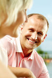 Glimlachende echtgenoot royalty-vrije stock fotografie