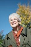 Glimlachende hogere vrouw Royalty-vrije Stock Foto's