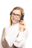 Glimlachende jonge call centreexploitant Stock Foto's