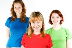 Glimlachende jonge vrienden Royalty-vrije Stock Afbeelding