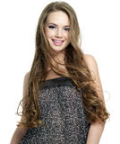 Glimlachende jonge vrouw met lang haar Royalty-vrije Stock Afbeeldingen
