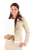 Glimlachende jonge vrouw met leeg document royalty-vrije stock afbeeldingen