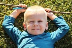 Glimlachende jongen Royalty-vrije Stock Afbeelding
