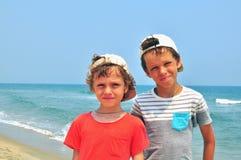 Glimlachende jongens Stock Foto's