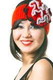 Glimlachende modieuze vrouw Stock Foto's