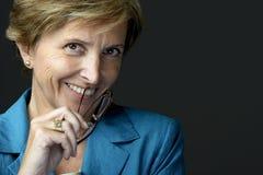 Glimlachende onderneemster royalty-vrije stock fotografie