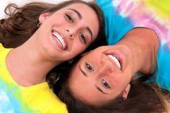 Glimlachende vrienden Stock Foto's