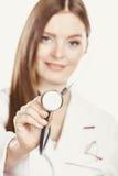 Glimlachende vrouw medische arts met stethoscoop Stock Afbeelding