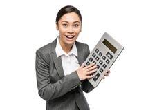Glimlachende Vrouw met Grote Calculator Stock Fotografie