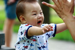 Glimlachende zuigeling Royalty-vrije Stock Foto