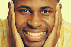 Glimlachende Zwarte Mens royalty-vrije stock foto