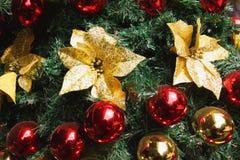 Glimma julgranbakgrund royaltyfri fotografi