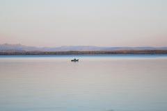 glimma sjön arkivbild