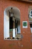 Glimp van een venster van een stal Royalty-vrije Stock Foto's