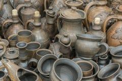 Glin naczynia Ceramiczni krajowi knia? naczynia robi? w Poltava regionie w wiosce Opishnya i demonstruj?cy przy w zdjęcia royalty free