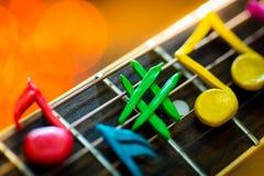 Glin notatki na sznurkach gitara Zdjęcia Stock