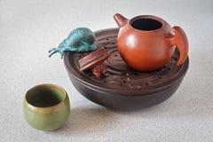 Gliniani herbaciani naczynia Zdjęcia Royalty Free