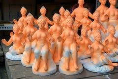 Gliniany idol bogini Saraswati, Kumartuli, Kolkata, Zachodni Bengalia, India fotografia stock