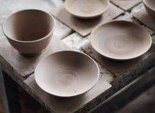Gliny i formy próbni kawałki od ceramicznego sztuka warsztata Zdjęcie Royalty Free
