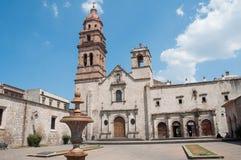 Église de rue Augustine, Morelia (Mexique) Images stock