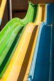 Glisseur coloré vide dans le parc aquatique Photo libre de droits